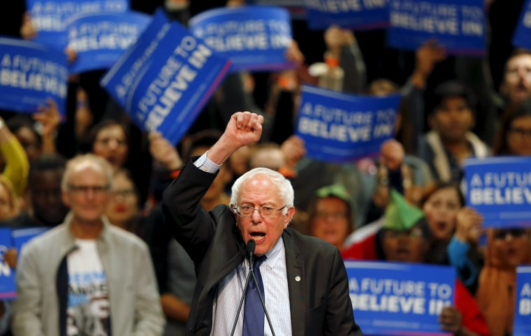 Image: Democratic U.S. presidential candidate Bernie Sanders holds a campaign rally in San Diego