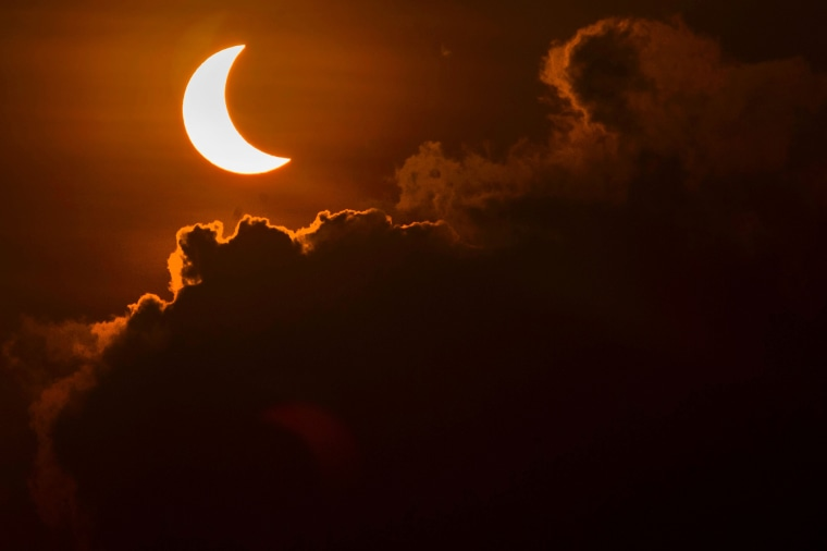 Image: TOPSHOT-INDONESIA-ASTRONOMY-ECLIPSE