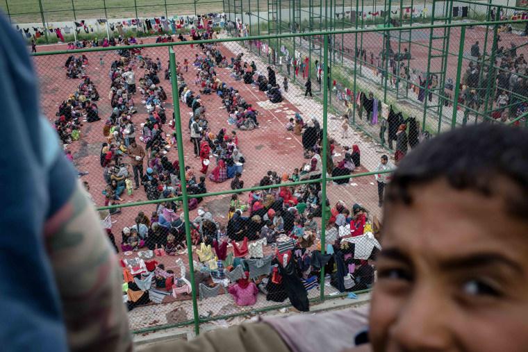 Image: Iraqis fleeing ISIS
