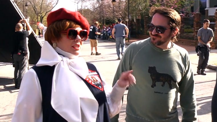 """Melissa McCarthy with husand and director Ben Falcone on the set of """"The Boss"""""""