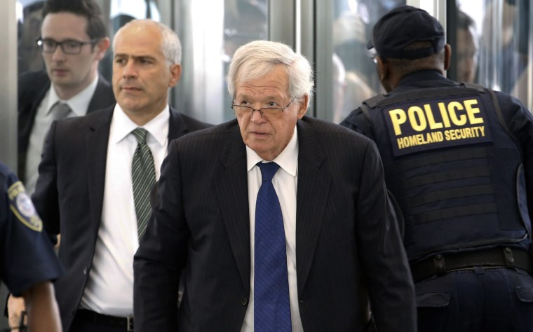 Image: Former House Speaker Dennis Hastert arrives at the federal courthouse