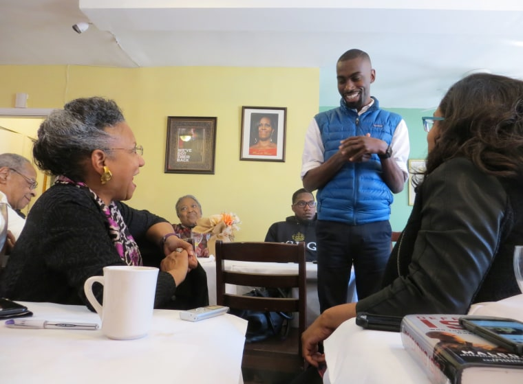 WASHINGTON, D.C. - Activist DeRay Mckesson met with a group of former and current Black journalists this weekend in Washington, DC. The group invited Mckesson as part of a gathering of journalists organized by veteran media reporter Richard Prince that has conduced dinner and brunch interviews of newsmakers since 1999.