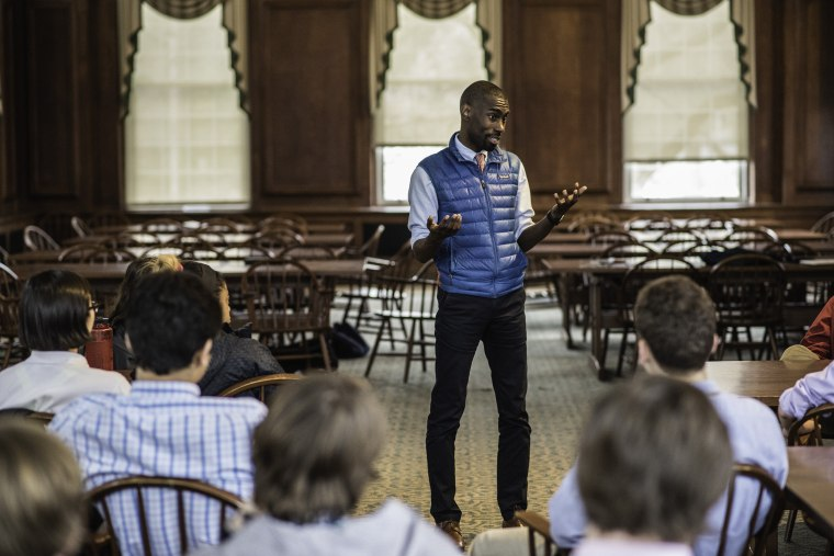 Image: DeRay McKesson runs for mayor in his native Baltimore