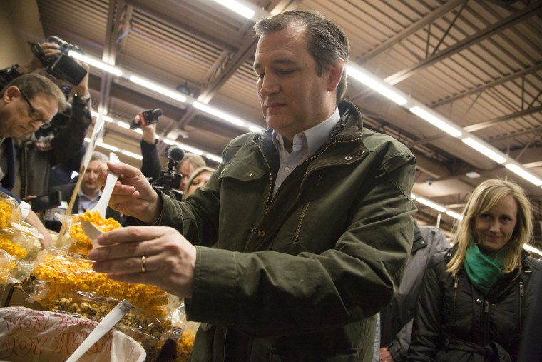 Image: Ted Cruz Campaigns In Wisconsin One Day Before State Primary