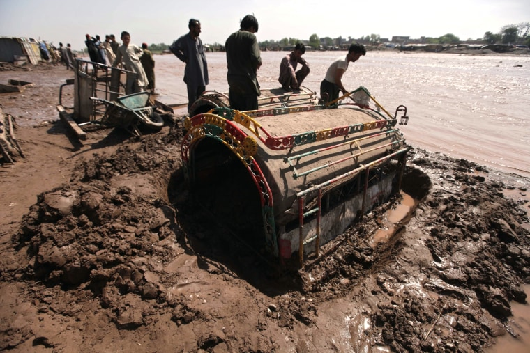 Image: Torrential rains in Pakistan kill 75