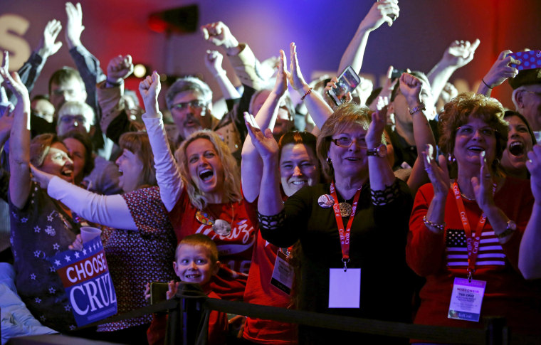 Image: Supporters of U.S. Republican presidential candidate Ted Cruz celebrate at his Wisconsin primary night rally in Milwaukee