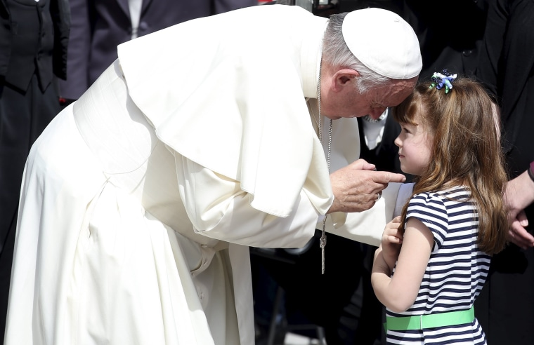 Image: Pope Francis talks with Elizabeth 'Lizzy