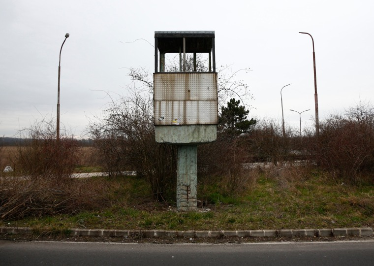Image: The border crossing between Austria and Hungary near Nickelsdorf, Austria