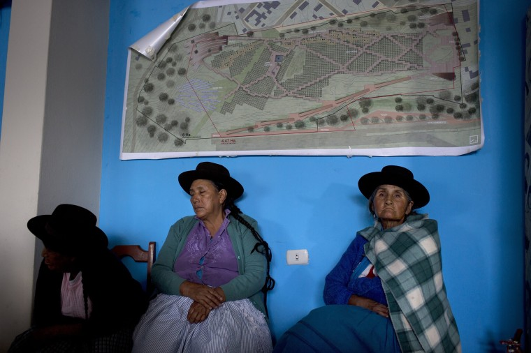 Image: Women whose relatives were killed or disappeared during Peru's two decades of political violence