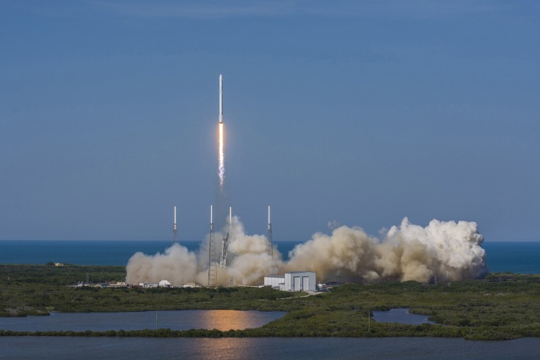 Image: A SpaceX Falcon 9 rocket blasts off from Cape Canaveral