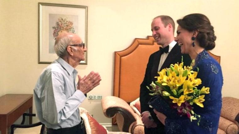 Image: Prince William, Duchess Kate meet with Boman Kohinoor, Indian restaurant owner