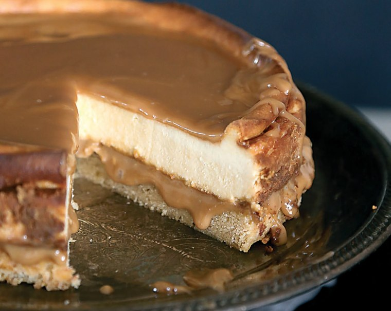 Banana Blondie-Bottomed Cheesecake with Caramel Sauce
