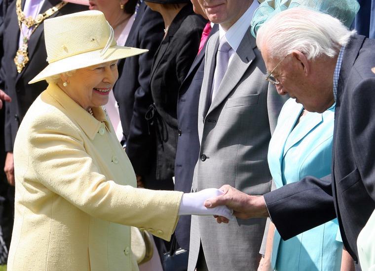Queen Elizabeth, Ian Paisle