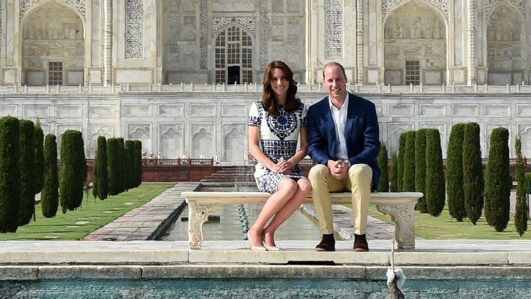 Britain's Prince William, Duke of Cambridge and Catherine, Duchess of Cambridge pose atThe Taj Mahal in Agra on April 16, 2016.