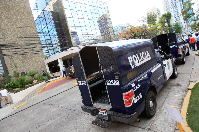 Image: Mossack Fonseca's headquarters raided by police