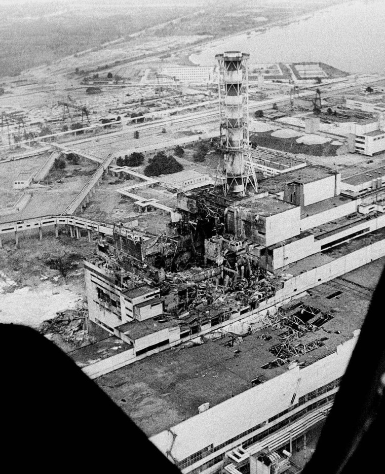Image: Aerial photo of Chernobyl nuclear plant taken in April 1986