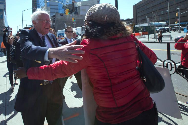 Image: Bernie Sanders; Verizon Workers Strike