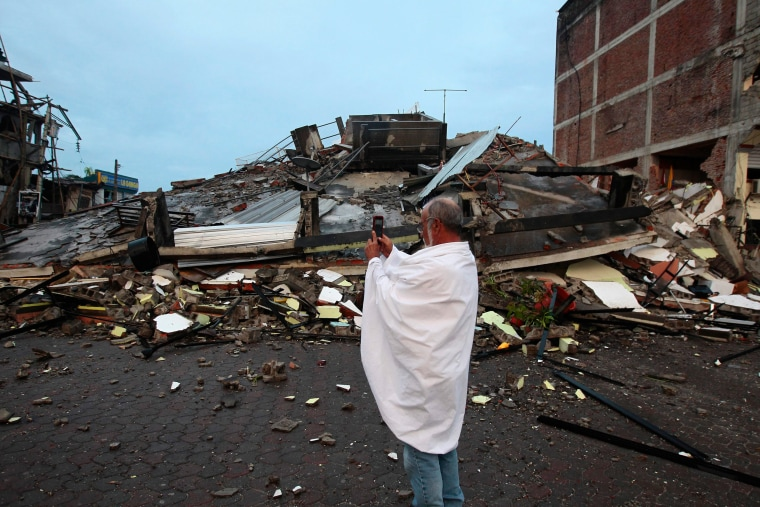 Image: 7.8 magnitude earthquake hit Ecuador and Colombia