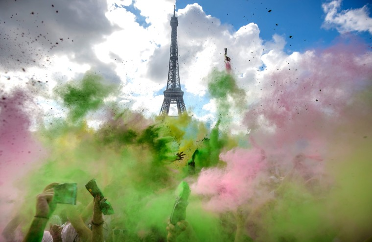 Image: Color Run in Paris