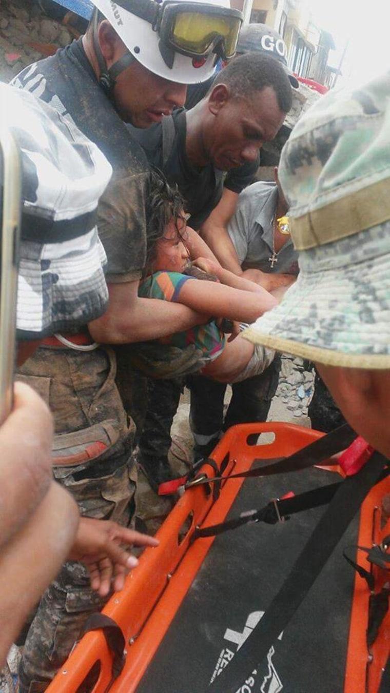 IMAGE: Ecuador earthquake rescue