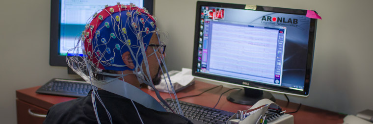 The study analyzes signals from the scalp in healthy volunteers as well as signals from electrode implants in the brains of people with Parkinson's disease.
