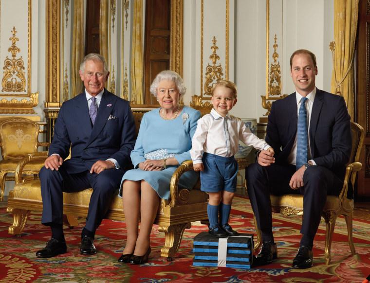 Image: Prince Charles, Queen Elizabeth II, Prince George, Prince William