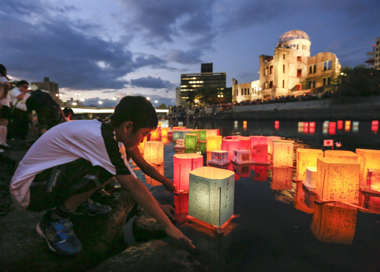 Image: Hiroshima residents float paper lanterns