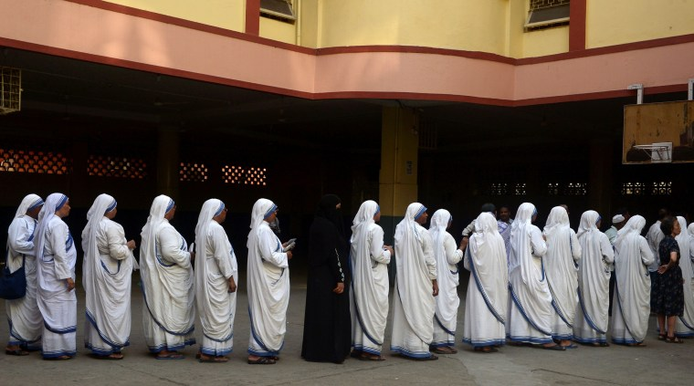 Image: Indian Christian nuns from the Catholic Order of the Missionaries of Charity