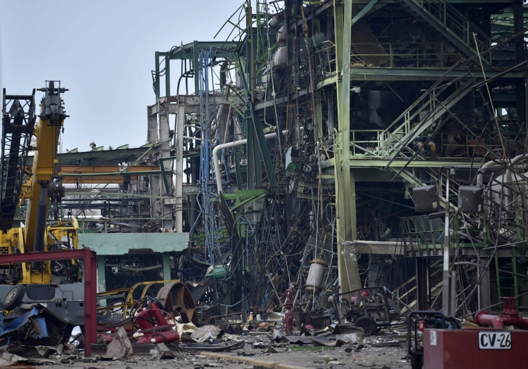 Image: Destruction from the Pemex explosion