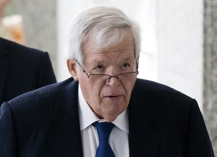 Image: Former U.S. House of Representatives Speaker Dennis Hastert exits after an appearance in federal court in Chicago