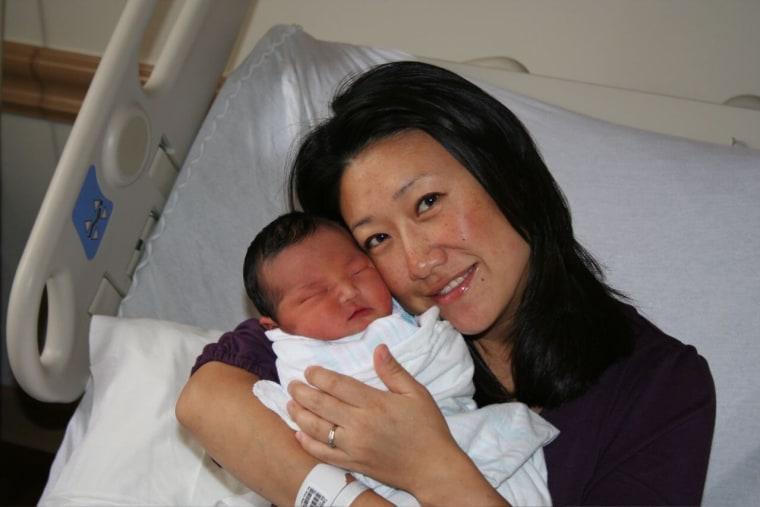 Eun Yang and her baby.