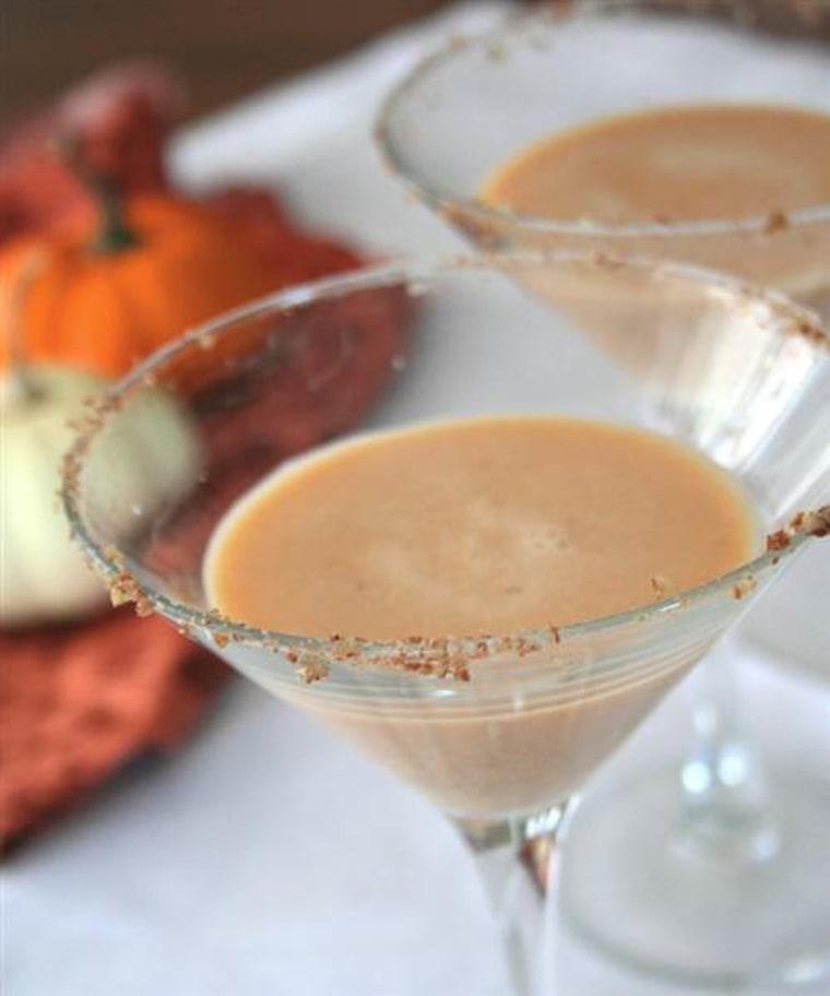 Thanksgiving cocktail: pumpkin pie martini