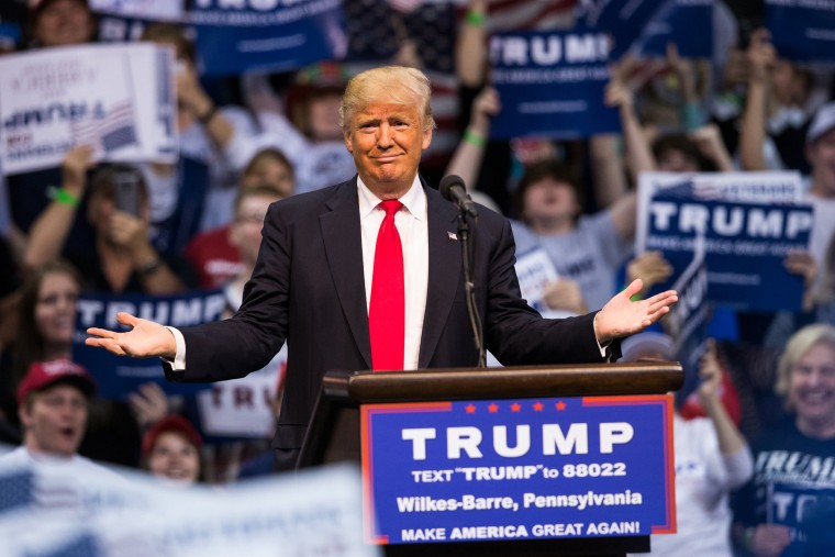 Image: Republican presidential candidate, Donald Trump speaks at a campaign rally