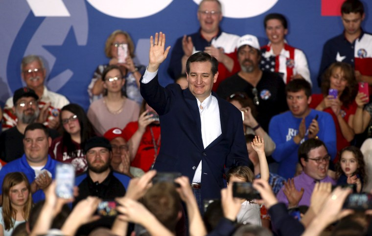 Image: U.S. Republican presidential candidate Ted Cruz speaks at a campaign event at the Johnson County Fairgrounds in Franklin, Indiana