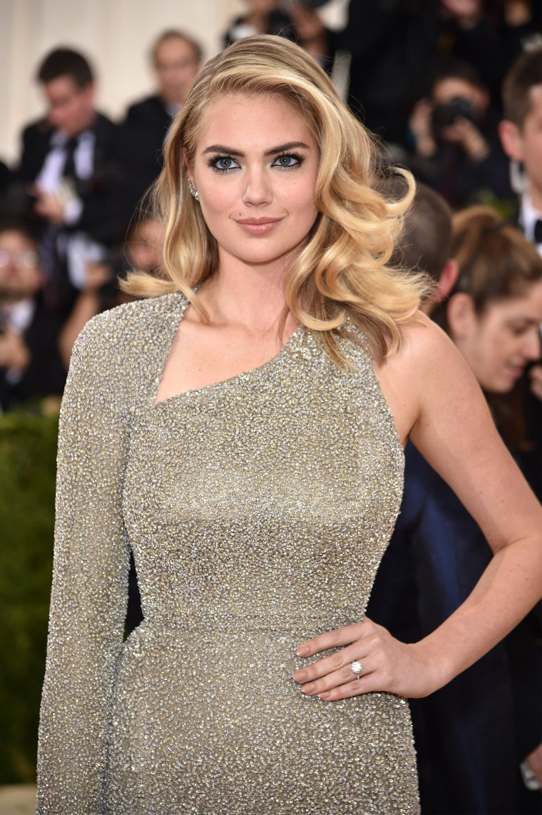 Kate Upton engaged to Justin Verlander! See the huge ring she wore ...