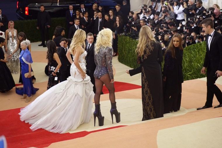 Lady Gaga, Kate Hudson Met Gala 2016