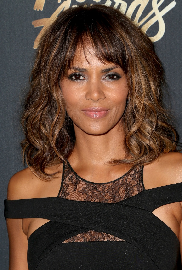 Halle Berry's new short hairstyle is a bowl cut!