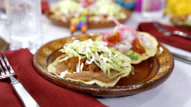 Chicken and pork tostadas de tinga