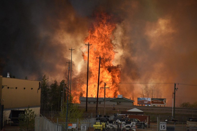 Image: Flames in Fort McMurray, Alberta