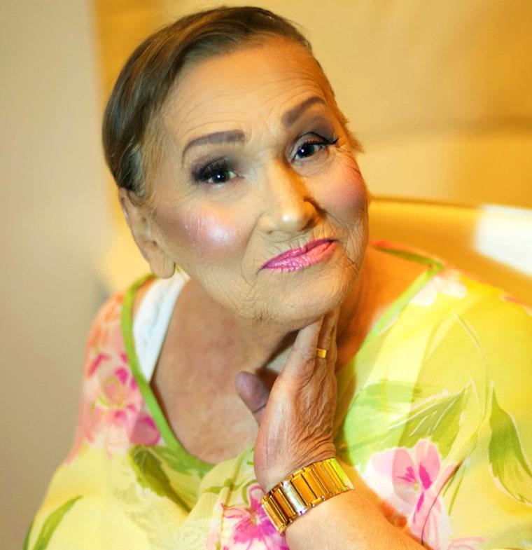 granny makeup