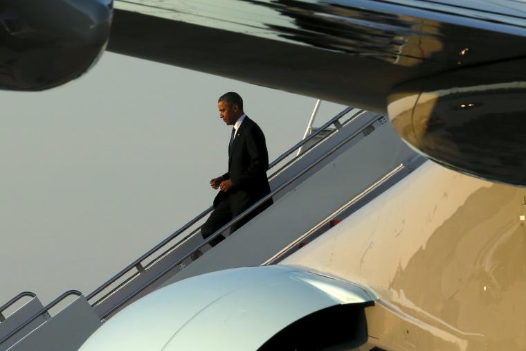 Image: Obama arrives at Joint Base Andrews