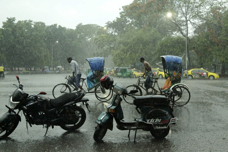 Image: Downpour in Bangladesh