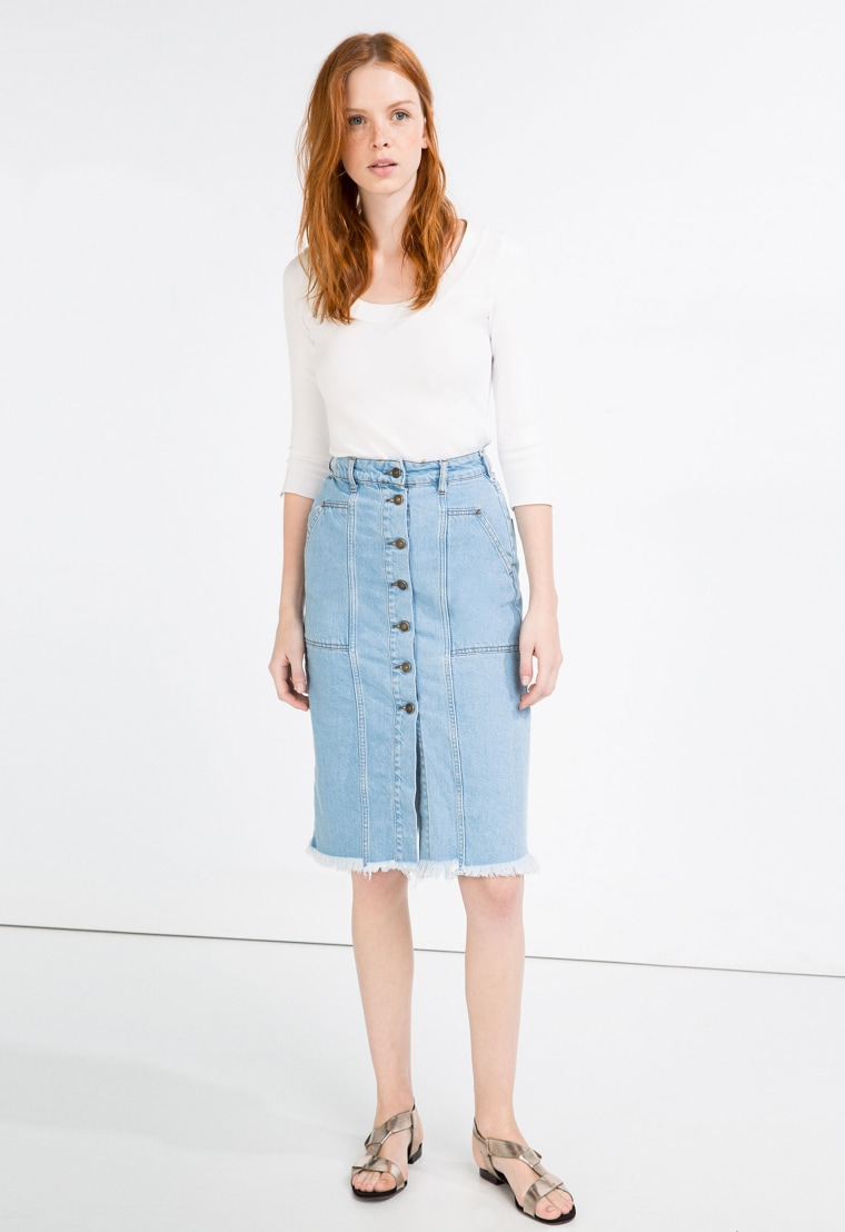Denim skirt with buttons