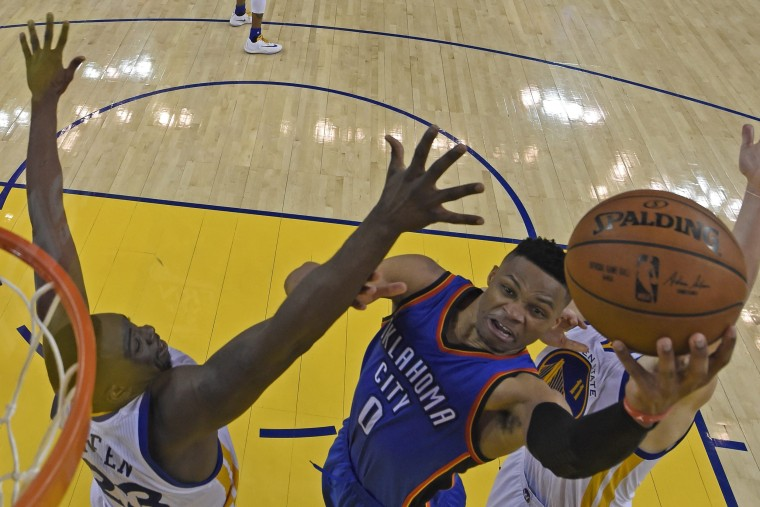 Image: Oklahoma City Thunder at Golden State Warriors