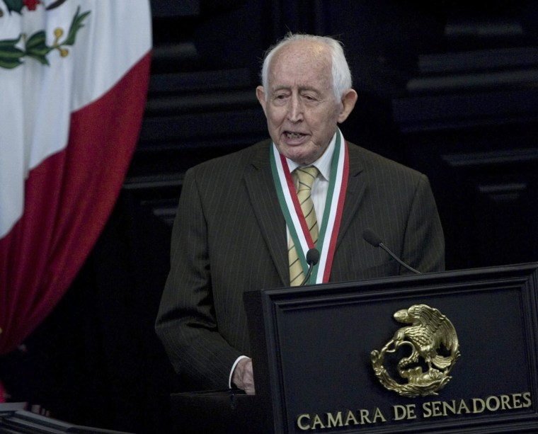Image: Former presidential candidate and veteran politician Luis Hector Alvarez dies aged 96