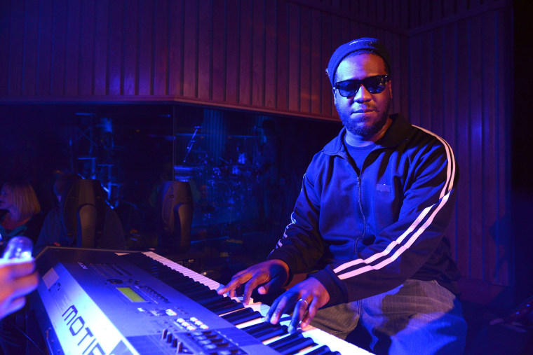 Musician Robert Glasper performs on stage at Capitol Records Studio on February 4, 2015 in Hollywood, California.