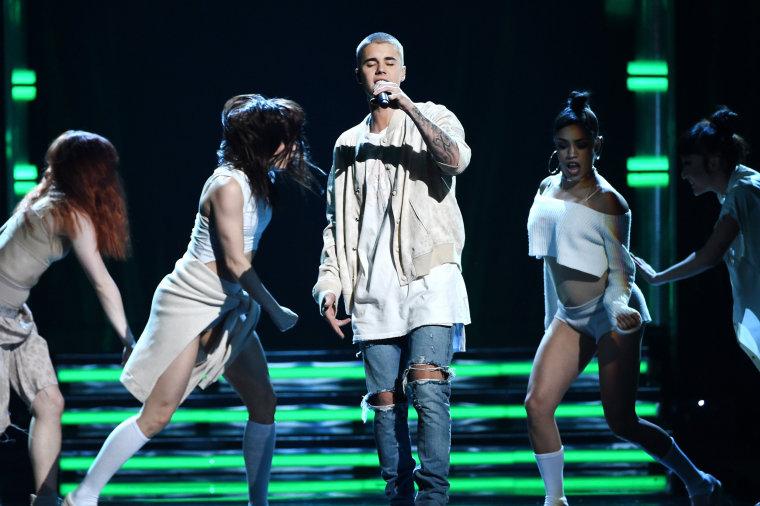Image: Justin Bieber performs