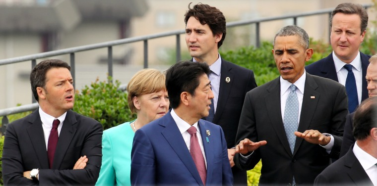 Image: G-7 world leaders on the first day of the G-7 summit meetings in Shima, Japan