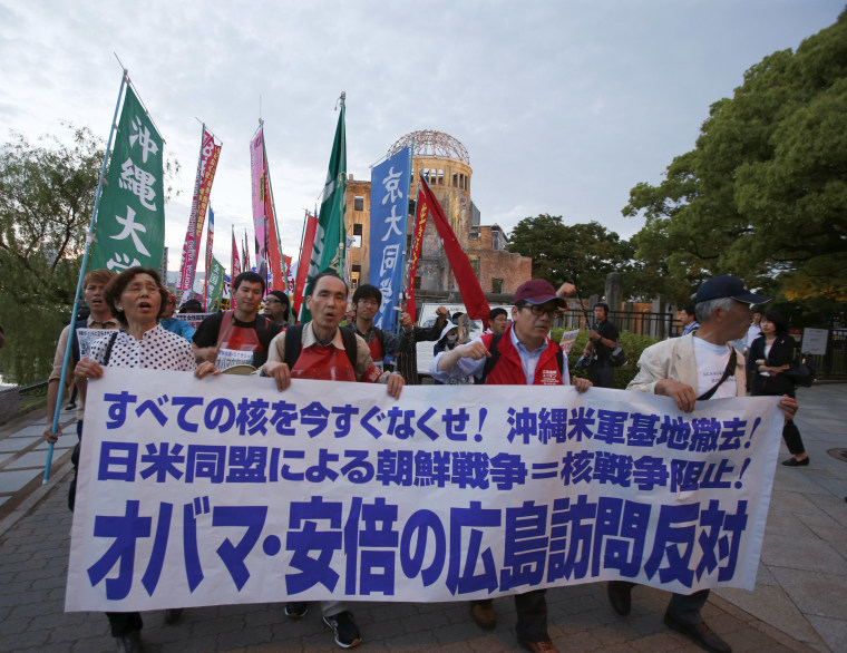 Image: Protesters in Hiroshima