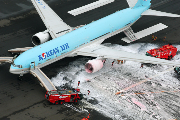 Image: Korean Air jet catches fire